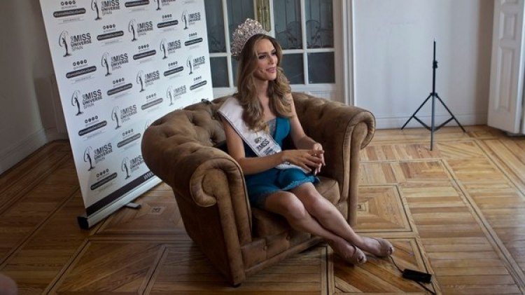 Angela Ponce (AP Photo/Paul White)