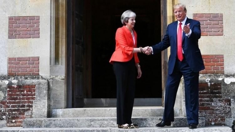 Trump había criticado a May en una entrevista (Reuters)