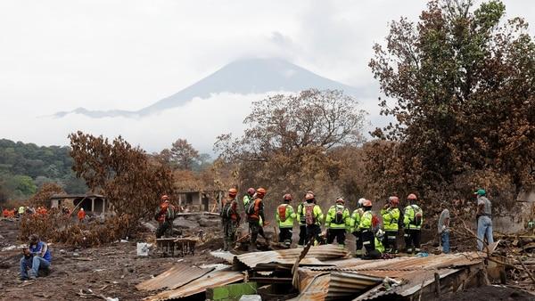 Sube a 116 los muertos por volcán de Guatemala