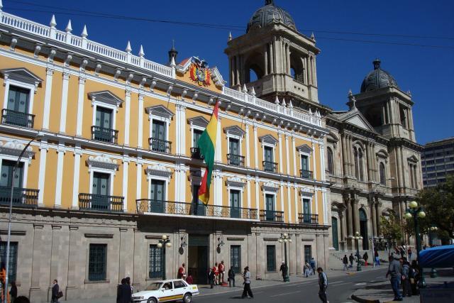 Morales cierra presidencial Palacio Quemado boliviano para mudarse a polémico edificio