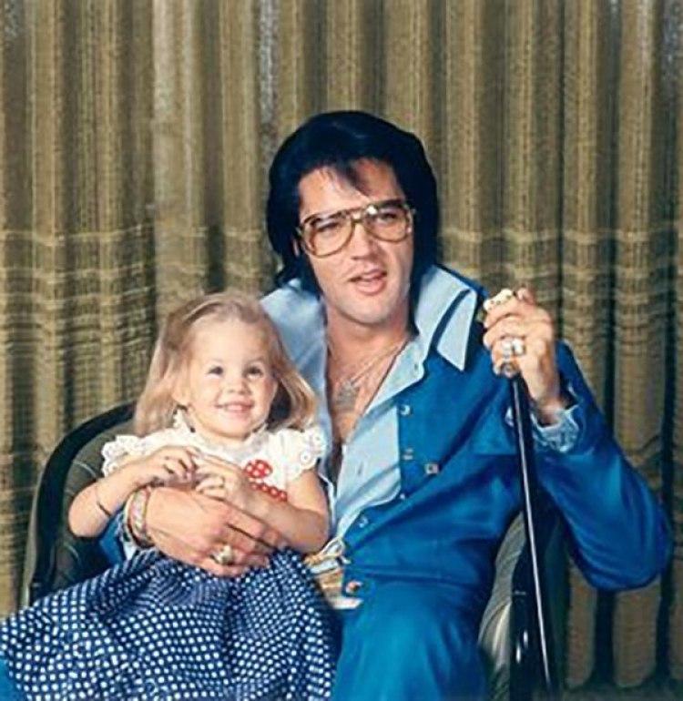 Elvis Presley dejó una fortuna de 100 millones de dólares