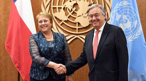 António Guterres y Michelle Bachelet (izq.) en un encuentro pasado. Foto: El Mercurio