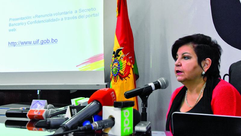 Juristas: Caso contra funcionario de UIF debió ser administrativo