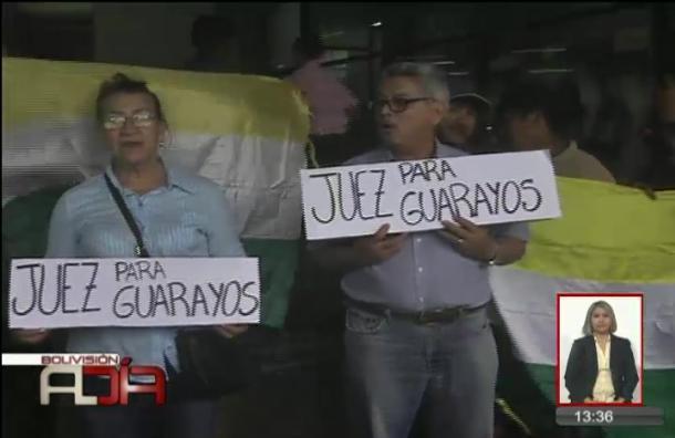 Pobladores protestan en el Palacio de Justicia piden Juez para Guarayos