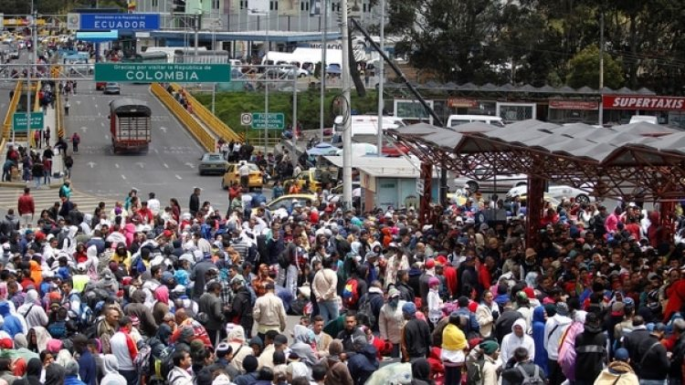 Cada vez son más los venezolanos que arriban a Ecuador (Reuters)