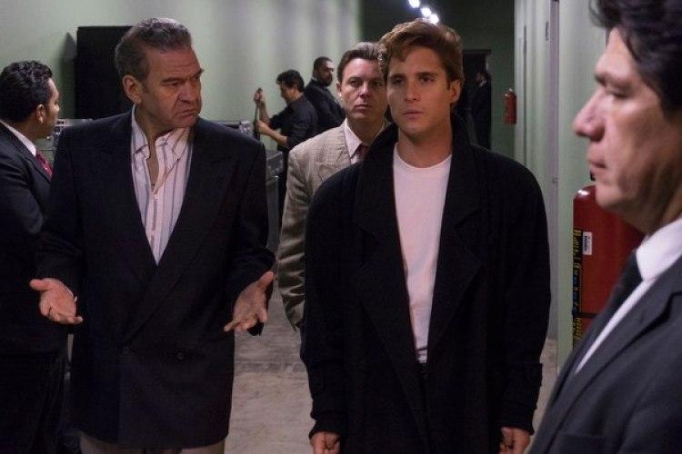 César Bordón como Hugo López y Diego Boneta como Luis Miguel en la serie de Luis Miguel