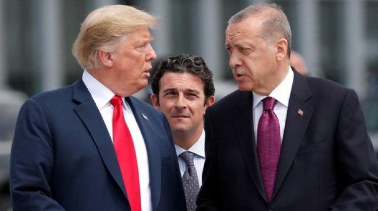 Donald Trump y Recep Tayyip Erdogan, en una reunión de la OTAN (Reuters)
