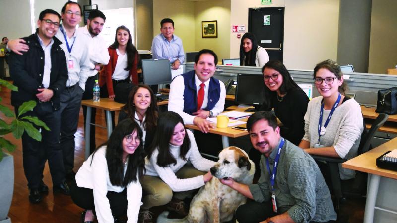 San Roque: los perros ya pueden entrar a un banco con sus dueños