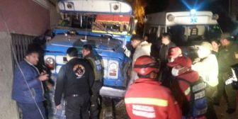 Suben a 7 los fallecidos por el micro que atropelló a bailarines de una fraternidad folklórica en La Paz