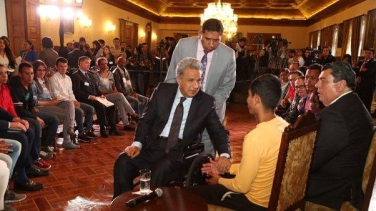 Lenín Moreno durante la reunión con los migrantes venezolanos