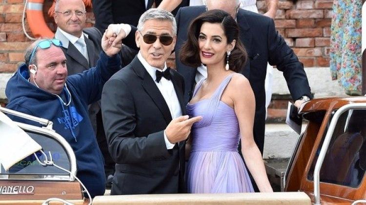 George y Amal Clooney (Grosby