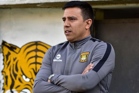El entrenador venezolano, César Farías, en el Complejo de Achumani. Foto: Archivo La Razón
