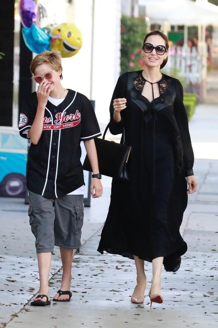 Angelina Jolie y Shiloh (Grosby)