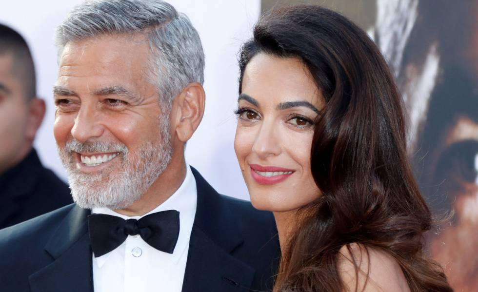 George Clooney y su esposa Amal en una entrega de premios en Hollywood en junio de 2018.