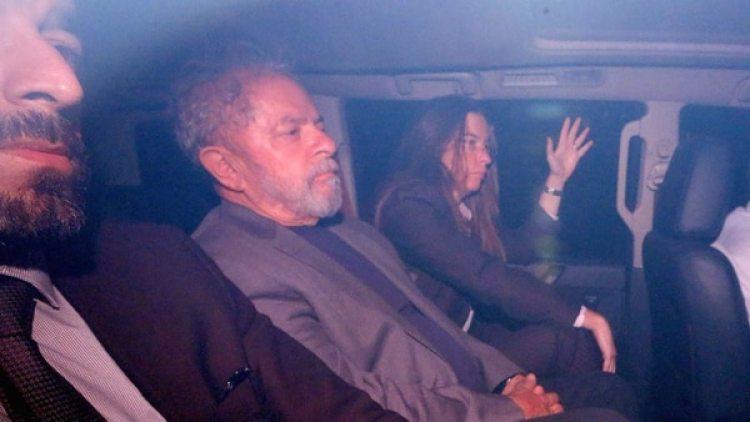 Lula fue condenado a más de 12 años de prisión por corrupción