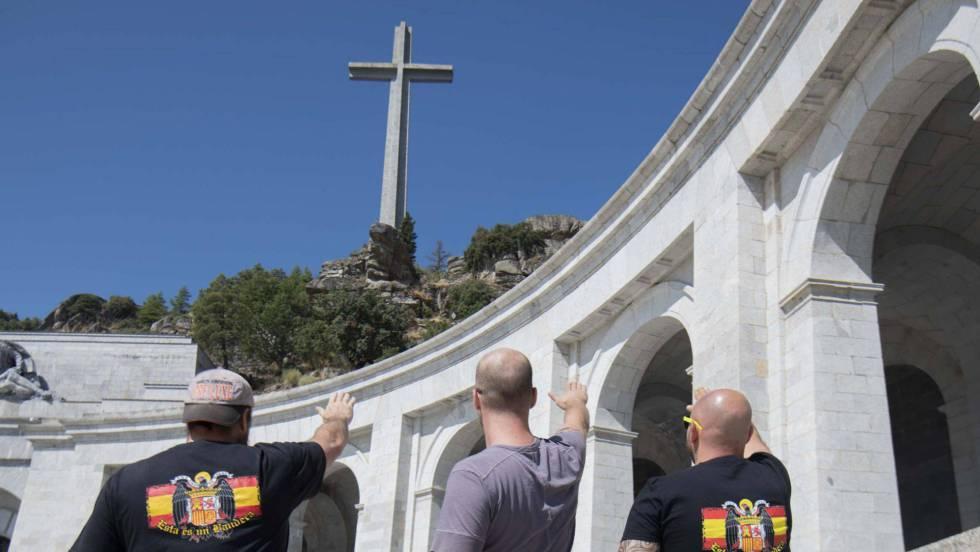 Gobierno aprobará exhumación de restos de dictador Franco — España