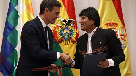 El presidente del Gobierno español, Pedro Sánchez durante su reunión con su homólogo Evo Morales en Santa Cruz. Foto: ABI