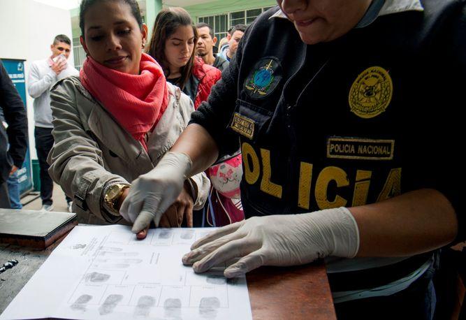 Perú permitió la entrada de cientos de venezolanos a través de un acuerdo de cooperación con Colombia.