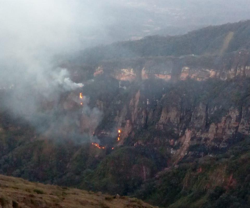 Registran incendio de magnitud en el parque nacional Aguaragüe de Tarija