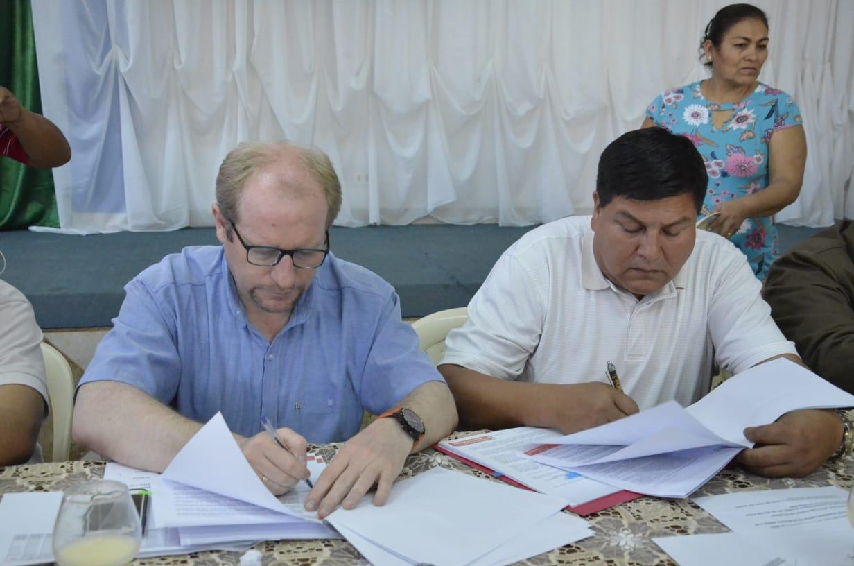 Gobernación firma convenio para la construcción de proyectos de salud, educación y turismo en Bermejo