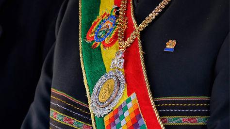 Escándalo en Bolivia: le robaron la medalla presidencial a Evo Morales