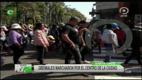 Gremiales marcharon en apoyo a Fernández y Sosa