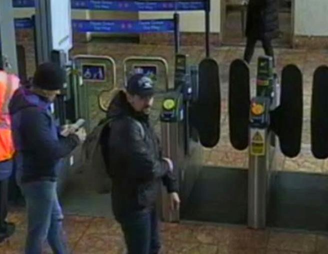 Imagen de los sospechosos en la estación de tren de Salisbury el 4 de marzo