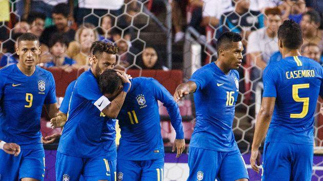 Brasil aplastó a El Salvador en un amistoso