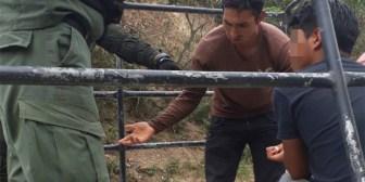 """Fiscalía de La Paz libera a 3 cocaleros y aprehende a uno por llevar libro con """"bloqueos"""""""