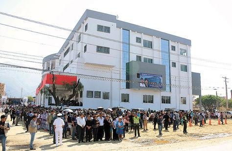 Complejo. Se entregó ayer un hospital en Sacaba, parte del SUS.
