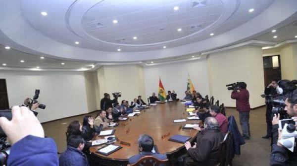 La primera reunión de gabinete en la Casa Grande del Pueblo. Foto:APG