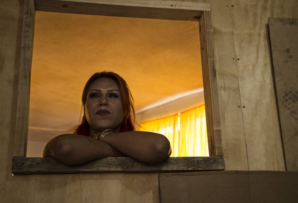 Kenya Cuevas fundó la organización Casa de Muñecas Tiresias para apoyar a la comunidad trans en México.