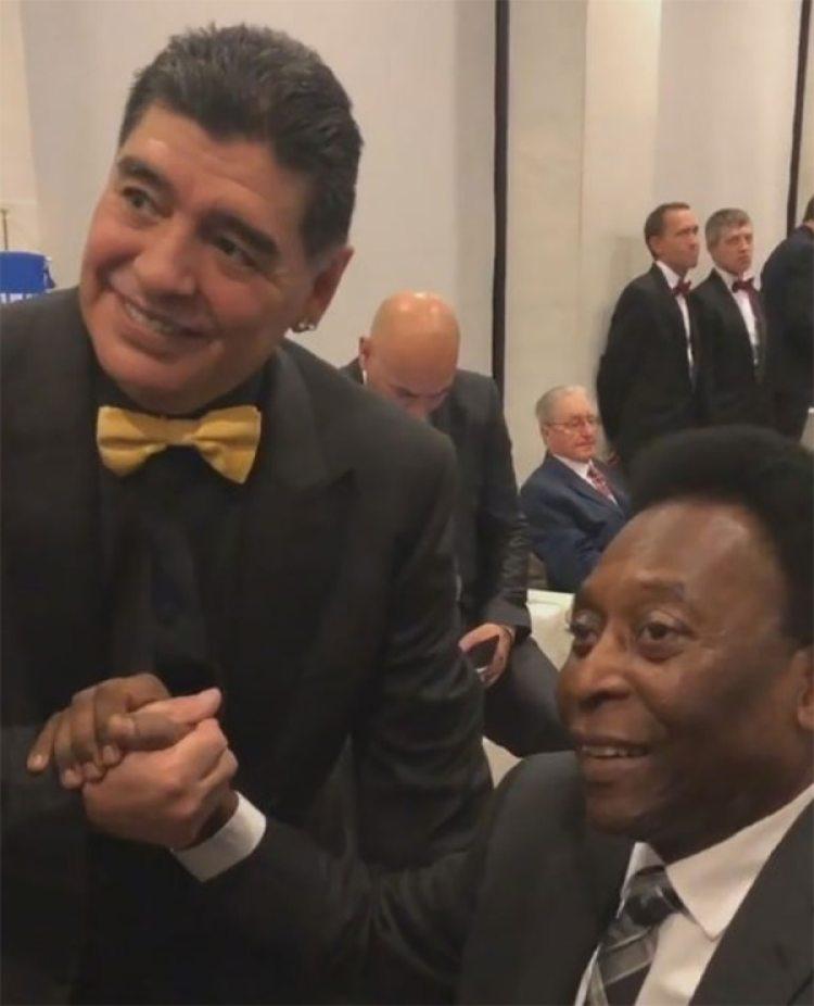Pele y Maradona. El brasileño y el argenton son los referentes del fútbol a nivel mundial