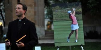 Emotiva y multitudinaria ceremonia de adiós a la golfista española asesinada en Estados Unidos