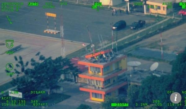 Controlador aéreo muere en sismo en Indonesia tras salvar vidas