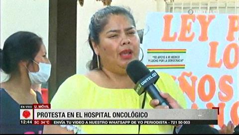Protestan en el Oncológico por ítems y máquinas para el Hospital