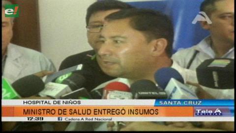 """Ministro de Salud dota de medicamentos para hemodiálisis al Hospital del Niño """"Mario Ortiz Suárez"""""""