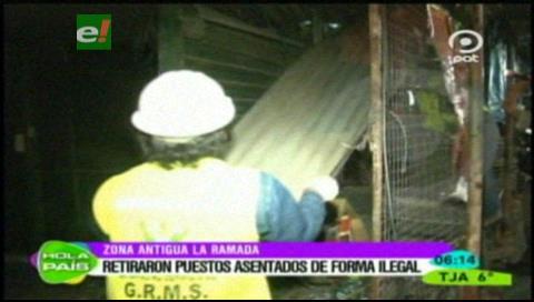Retiran casetas fuera de norma en el antiguo mercado La Ramada
