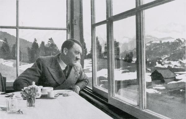 Informe revela impactantes prácticas sexuales de Hitler