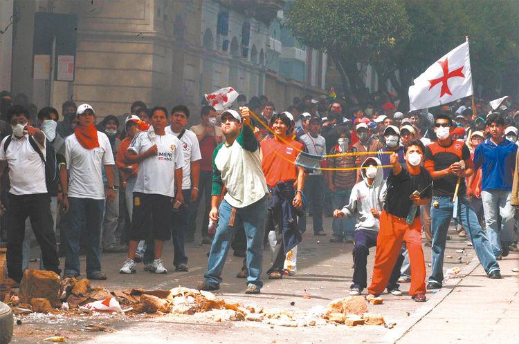 Conflicto. Disturbios en Sucre por la nueva Constitución.