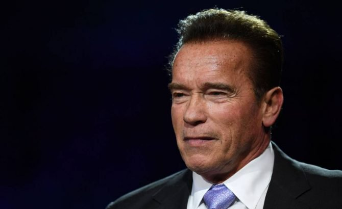 Arnold Schwarzenegger admite haber abusado de mujeres en el pasado