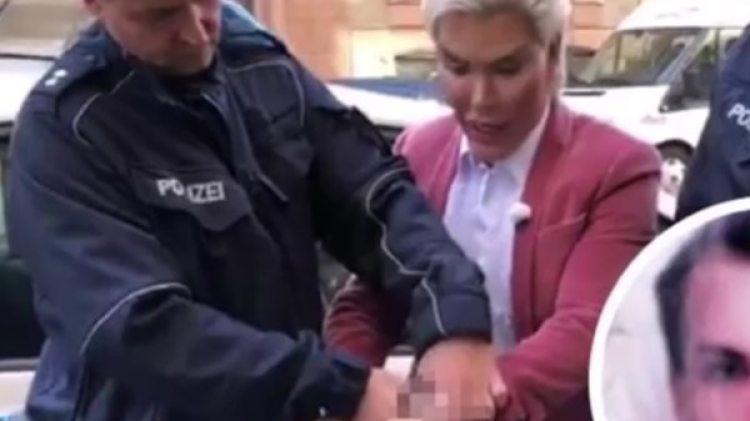 Arrestaron al Ken humano por no presentar un pasaporte válido (captura YouTube)