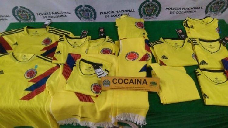 Réplicas de la camiseta de la Selección Colombia impregnadas de cocaína.