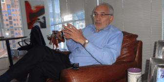 Mesa dice que sin su referéndum de 2004 era impensable la nacionalización de hidrocarburos