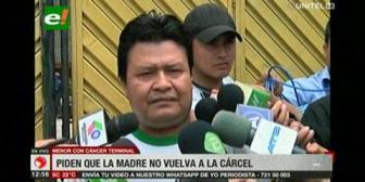 Familia de menor con cáncer buscará que su madre no vuelva a Argentina