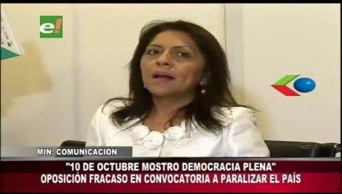 Ministra López destaca carácter pacífico de marchas en el Día de la Democracia