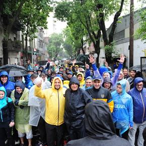 Boca-River: miles de hinchas llegan a la Bombonera para la histórica Superfinal