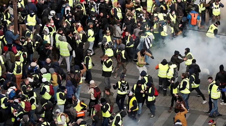 Los detenidos ya son más que la semana pasada (REUTERS/Benoit Tessier)