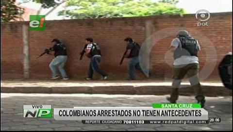 Colombianos intimidaban con armas en la plazuela Blacutt
