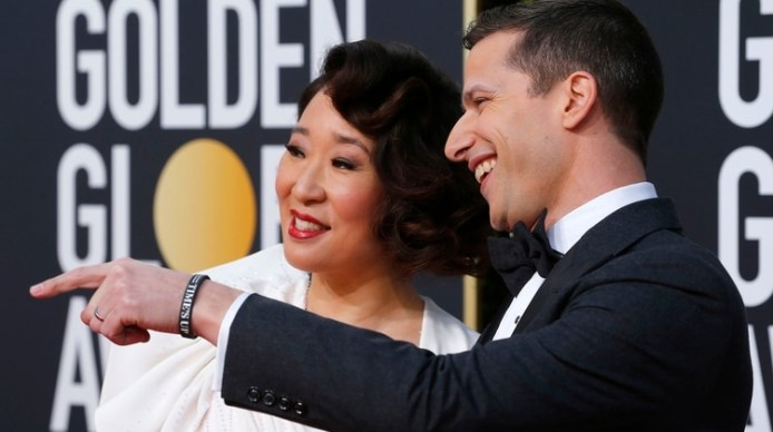 Los anfitriones de la gala, Sandra Oh y Andy Samberg. REUTERS/Mike Blake
